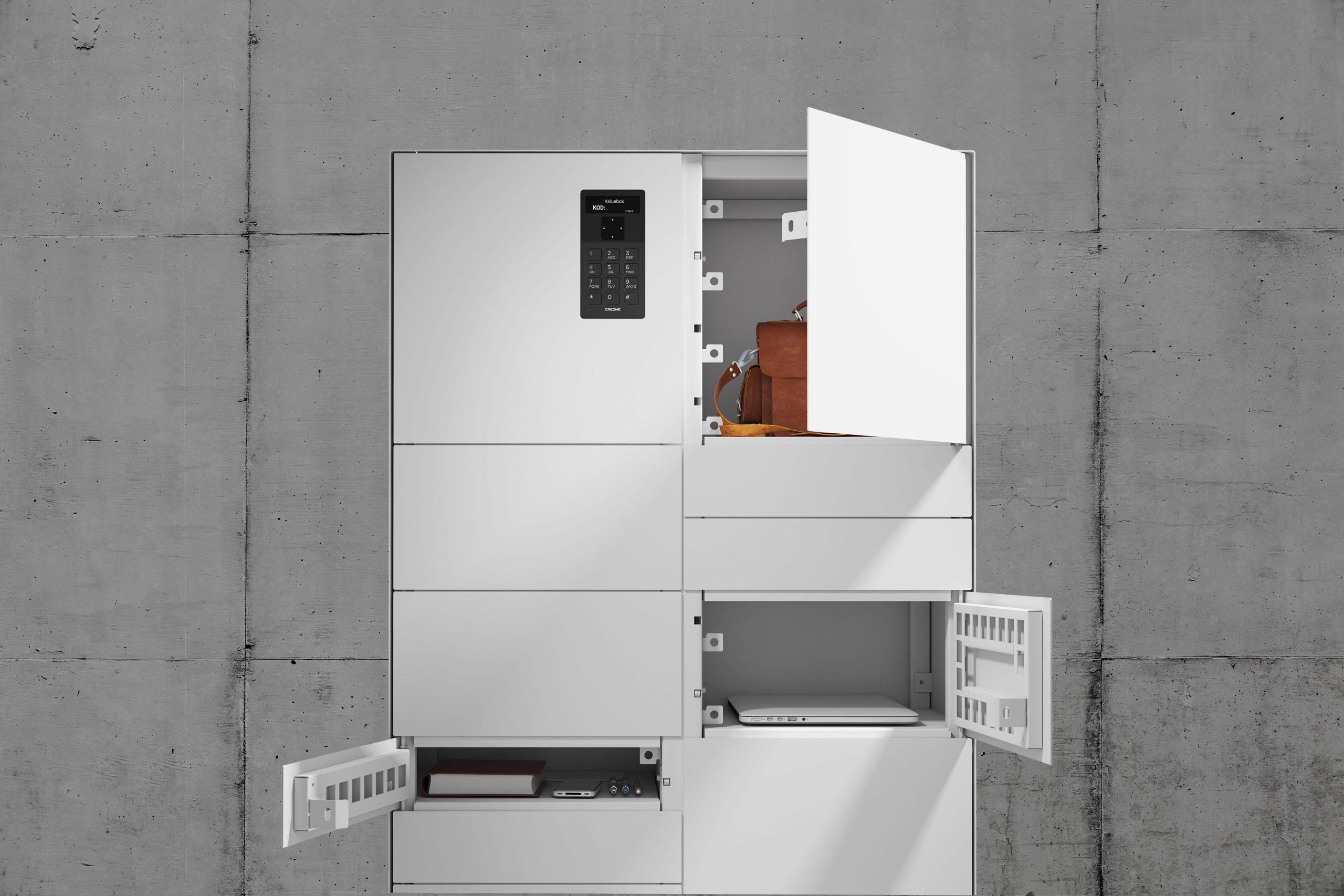 Wertschrank aus der Serie Control mit drei verschiedenen Arten von Fächern zur Aufbewahrung von Gegenständen.