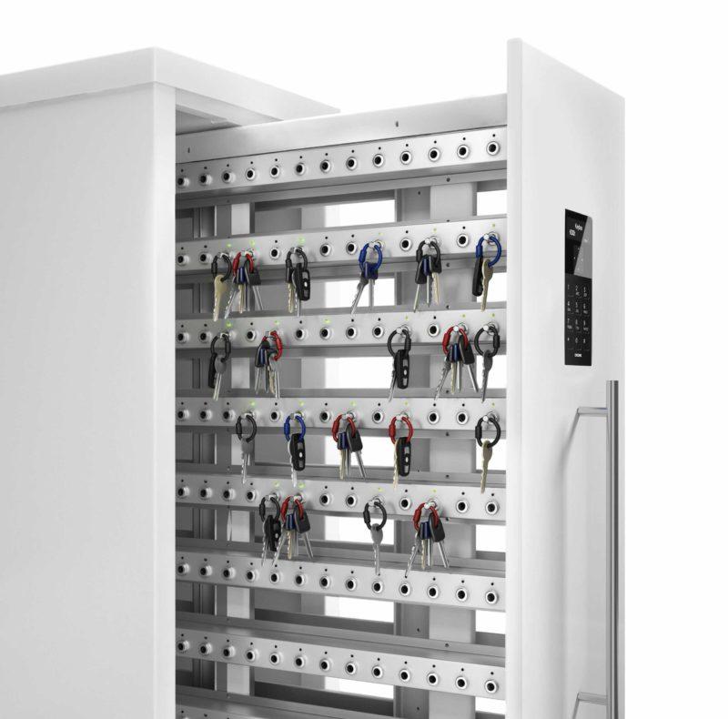 Schlüsselschrank 9600 SC der Keycontrol-Serie. Offener Schrank mit Schlüsselleisten, die die Schlüsselverwaltung organisieren.