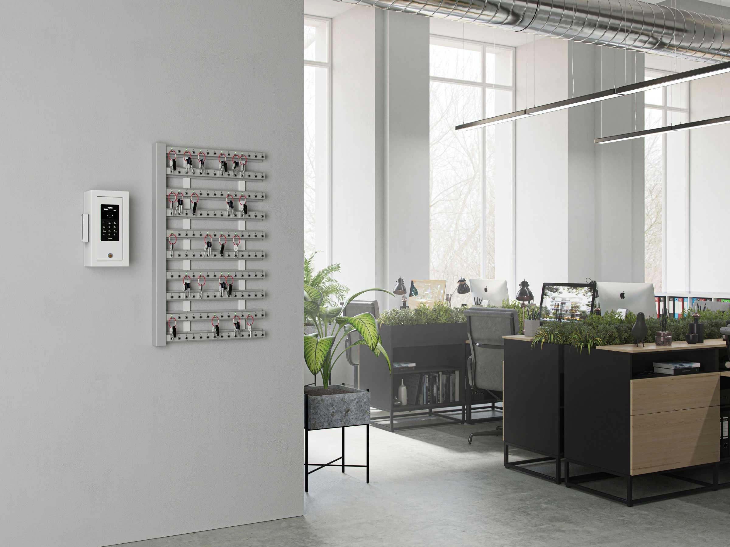 45 stycken intelligenta nyckelister med kontrollbox monterade på vägg och nyckelskåp för en unik nyckelhantering.